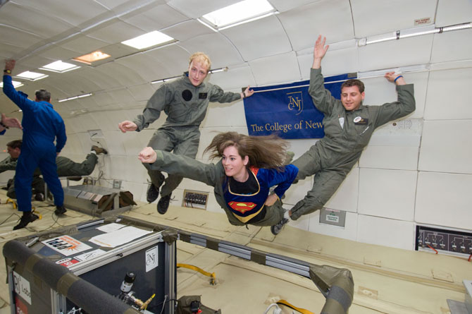 why astronauts in outer space experience weightlessness - photo #21